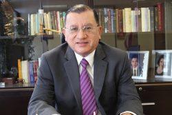 Magistrado Presidente Alvaro L. Visuetti Zevallos