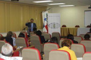 Capacitación al personal administrativo de la Universidad Nacional
